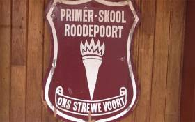 Roodepoort Primary school emblem. Picture: Kgothatso Mogale/EWN: