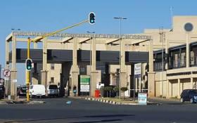 FILE: Chris Hani Baragwanath Academic Hospital entrance. Picture: Louise McAuliffe/EWN