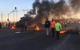 There is protest action affecting many routes through Lenasia South, Ennerdale and Zakariyya Park affecting many roads and this includes the Golden Highway on 19 July 2019. Picture: @EWNTraffic/Twitter