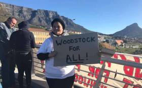 Woodstock residents along with activists from lobby group Reclaim the City picketing on the Searle Street pedestrian bridge above the Nelson Mandela Boulevard on 11 July 2017. Picture: Monique Mortlock/EWN