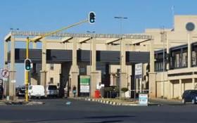 Chris Hani Baragwanath Academic Hospital entrance. Picture: Louise McAuliffe/EWN
