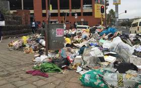 Rubbish has been strewn on the streets of Johannesburg following another violent demostration in the city. Picture: Vumani Mkhize/EWN.