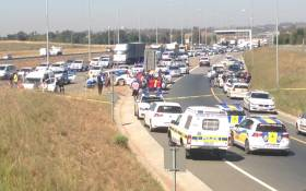 Gauteng police conducted a routine stop and search operation on Olifantsfontein Road in Kempton Park on 5 May 2015. Picture: Vumani Mkhize/EWN.