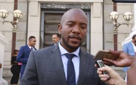 DA Leader Mmusi Maimane addresses the media on the steps of the National Assembly following the delivery of the 2019 Budget speech. Picture: Cindy Archillies/EWN.