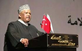 The former Muslim Judicial Council leader and prominent Islamic scholar, Moulana Ihsaan Hendricks, passed away after a long illness. Picture: @Our__Land/Twitter.