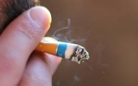 Man smoking a cigarette. Picture: EWN