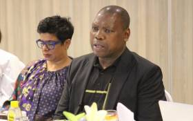 Digital Vibes boss Tahera Mather (L) and former Health Minister Zweli Mkhize. Picture: Tahera Mather/Facebook.