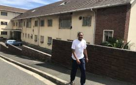 Housing activist Denver Arendse at the old Woodstock Hospital in Cape Town. Picture: Monique Mortlock/EWN