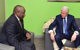 President Cyril Ramaphosa receives a courtesy call from former President of the United States of America Bill Clinton during the Discovery Leadership Summit. Photo: GCIS.