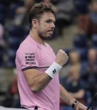 Wawrinka outlasts Lopez to reach Antwerp tennis quarter-finals