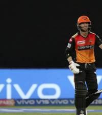 David Warner crosses 500 runs to stay atop IPL batting charts