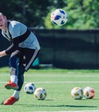 Rooney, Ibrahimovic chase playoff berths