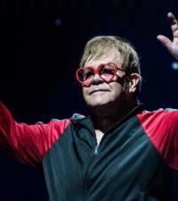 Elton John extends farewell tour in US, Europe
