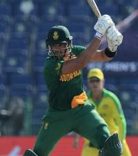 Australia survive scare to beat South Africa in low-scoring World Cup clash