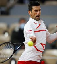 'Snake' Djokovic in control at Roland Garros as row sparks video replay call