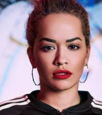 Rita Ora's easy transformation into Post Malone