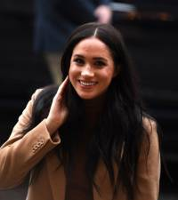 Harry, Meghan lawyers issue warning over photos of duchess