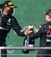Verstappen holds off Hamilton to win US Grand Prix thriller