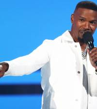 Jamie Foxx defends Jimmy Fallon over blackface controversy