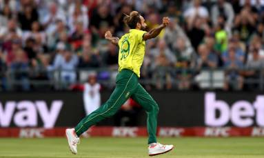 Tahir holds nerve in Super Over to lead Proteas to victory
