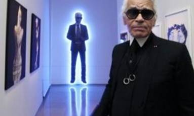 Victoria Beckham leads Karl Lagerfeld tributes