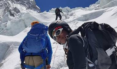 Mount Everest conqueror Saray Khumalo finally on her way home