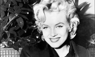 Marilyn Monroe's Golden Globe sells for record $250,000 at auction