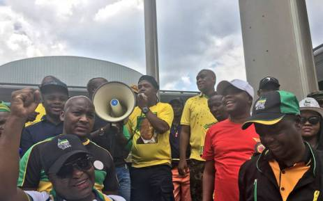FILE: Protesters blocked roads in Tshwane complaining about the cancellation of the Extended Public Works Programme. Picture: Katleho Sekhotho/EWN.