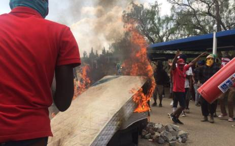 Students demonstrating near one of the Vaal University of Technology residences. Picture: Dineo Bendile/EWN.