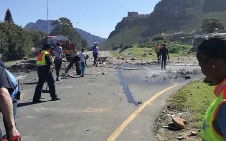 Violent Kleinmond protests lead to closure of R44