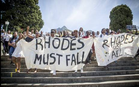 FILE: UCT students march down the stairs in front of the Rhodes statue. Picture: Thomas Holder/EWN