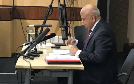 FILE: Public Enterprises Minister Pravin Gordhan gives testimony in the commission of inquiry into governance at Sars. Picture: Barry Bateman/EWN
