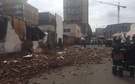 A building wall collapse in Doornfontein has killed three children. Picture: @RobertMulaudzi/Twitter.