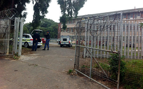 Police on the scene at Spes Bona High School in Athlone where a matriculant was shot in the head. Picture: Chanel September/EWN