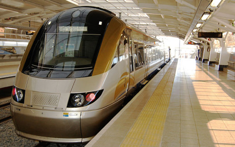 FILE. Services were disrupted between Pretoria and Hatfield at the weekend after the truck crashed into a barrier and landed onto Gautrain and Metrorail tracks. Wikimedia Commons.