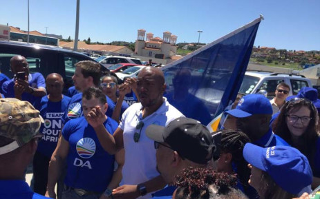 DA leader Mmusi Maimane led a walkabout and voter registration drive at the Glen Shopping Centre in the south of Johannesburg on 12 January 2019. Picture: @Our_DA/Twitter