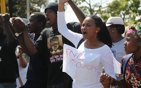 FILE: Wits university students joined campus staff who protested over issues of employee outsourcing on 28 October 2015. Picture: Reinart Toerien/EWN.