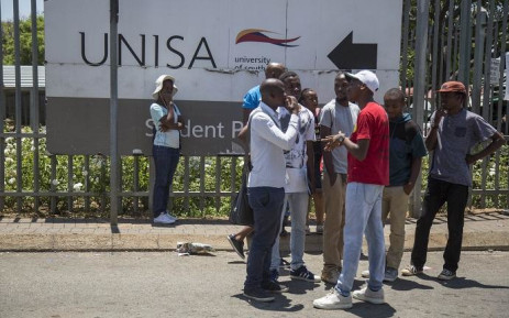 FILE: Students outside the Unisa Sunnyside campus. Picture: EWN