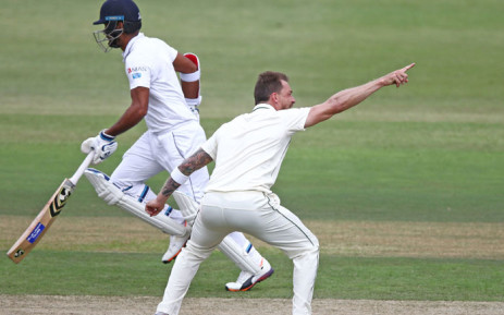 South Africa's Dale Steyn (R) appeals against Sri Lankan batsman Dimuth Karunaratne during day 2 of the first Test match between South Africa and Sri Lanka held at the Kingsmead Stadium in Durban, on 14 February 2019. Picture: AFP