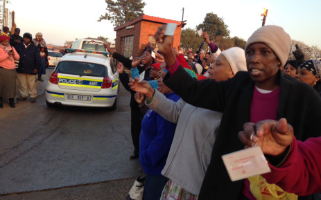 FILE: Commuters were stranded in Mamelodi as taxi drivers didn't allow Autopax buses to operate in the area on 1 July 2015. Picture: Vumani Mkhize/EWN.