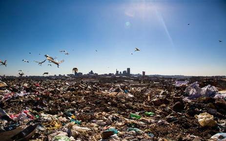 Waste pickers are seen in the Robinson Deep landfill site in Johannesburg. The site has a maximum of 3 years left until it reaches capacity.  From 1 July, Johannesburg residents are compelled to separate their garbage from recyclable material in an effort to avoid reaching this point. Picture: Christa Eybers/EWN