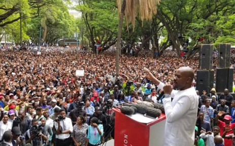 MDC leader Nelson Chamisa addressing Zimbabwean crowd at his mass protest in Harare on 29 November 2018. Picture: @Nelsonchamisa/Twitter