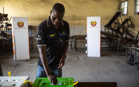 A man casts his vote at Amirca Cabral Primary School in Beira on 15 October 2019. Picture: AFP