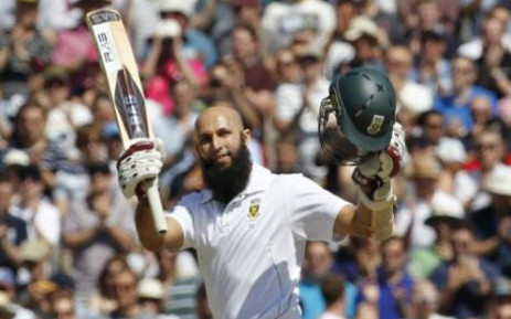 Proteas batsman Hashim Alma greets the crowd. Picture: AFP