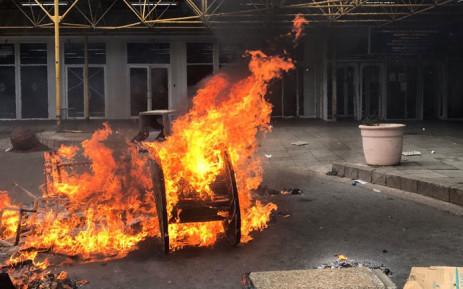 A piece of debris is burned at the Charlotte Maxeke Hospital during a protest on 31 May 2018. Picture: Christa Eybers/EWN