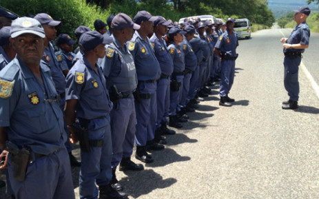 FILE: New deployed police from Mpumalanga have arrived to assist with violent protests in Kubjana and Relela near Tzaneen in Limpopo. Picture: Reinart Toerien/EWN