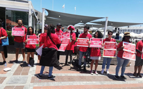 American students who were due to tour Robben Island joined a picket held by workers who demanded a 9% salary increase on 8 January 2019. Picture: Supplied.