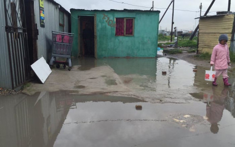 In Philippi, residents in the Bhekela Informal Settlement have been severely affected by the cold and wet weather. Picture: Monique Mortlock/EWN.