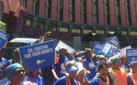 Hundreds of DA members marched on the capital, demanding that Social Development Minister Bathabile Dlamini step down. Picture: EWN.