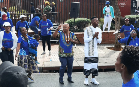 DA youth leader Luyolo Mphithi (R) in Soweto for the party's Heritage Day celebrations. Picture: @Our_DA/Twitter.